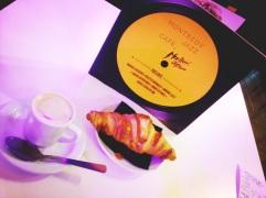 Grabbing a Quick Breakfast @ Gare du Lyon